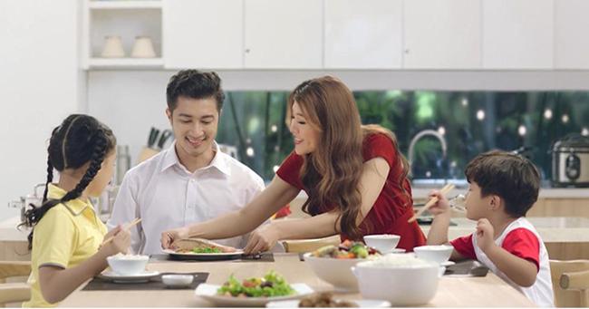 Trưởng thành là khi bạn nhận ra: Có một loại hạnh phúc là được về nhà ăn cơm